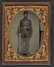 Photo Civil War Union Soldier Bayoneted Musket Cartridge Box Cap Box