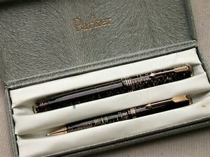 VINTAGE BOXED SET. PARKER OVERSIZE VACUMATIC FOUNTAIN PEN & PENCIL. GOLD PEARL.