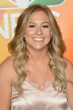 Shawn Johnson With Hair On The Shoulders 8x10 Picture Celebrity Print