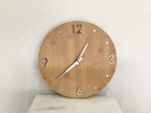 """Modern Light Wood Round 11"""" Wall Clock AA Battery Faux Wood Great Condition"""