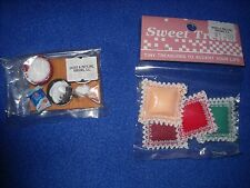 Miniature accessories: cake in progress, accent pillows 1:12 scale, Nib, lot #10