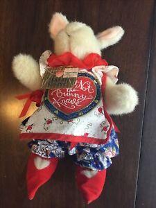 Hoppy Vanderhare Rabbit Wonderland The Bunny Knave Plush