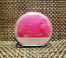 Foreo Luna Play Plus Sonic Face Cleanser in Fuchsia. Sealed