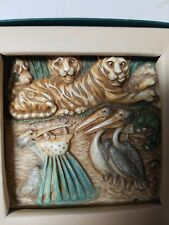 Nib Harmony Kingdom Picturesque Tile Figurine Noah's Park Pelican Bay #Pxnb4 Nos