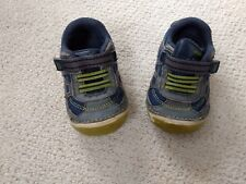 Stride Rite infant boy's size 4.5 Conner shoe in navy and lime