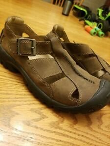Keen Mens Fisherman Sandals Brown Buckle Adjustable Strap Cut Out 9.5 close toed