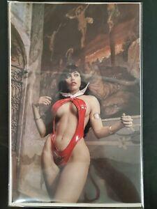 Vampirella #24 1:25 Cosplay Virgin Variant Dynamite VF/NM Comic Book