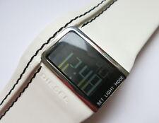 DZ7054 - Diesel Uhr mit weissem Lederband  - Digital - Neu und ungetragen