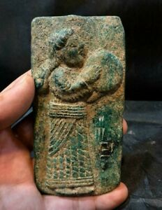 EXTREMELY RARE BABYLONIAN BRONZE PLAQUE DEPICTING A FEMALE FIGURE