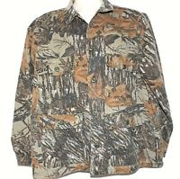 RealTree Woodland Camouflage Mens light weight soft shell Hunting Jacket size L