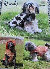 Wendy knitting pattern 5959 per cane cappotto a trama grossa filati. S, M, L dimensioni.