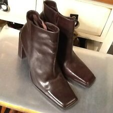 Diba USA Ladies Shoes Ankle Boots-size 8.5- Brown Leather  Made in Brazil