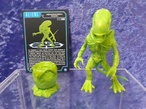 Loyal Subjects Aliens action Vinyls loose Green Xenomorph and Egg 1/24 with Card