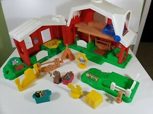 Vintage Fisher Price Red Barn Little People Farm Toy