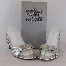 VANELI MARTEY WOMEN SHOES SILVER DRESS SANDAL HEELS SZ. 8 N (AA) AL621