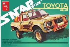 AMT 1/25 1980 TOYOTA 4X4 PICKUP TRUCK (SNAP) | 1114
