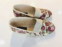 Ladies PAVERS Floral Slip Kn Shoes Stone/Red Size 5 EU38 Rubber Sole