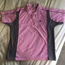 YONEX 16369 Hommes T-shirt à encolure ras-du-cou-Noir//Rose