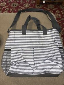 Thirty One 31 Grey Stripe Waterproof Beach Travel Bag Tote Carry All (LE)