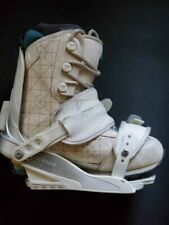 Roxy snowboard boots and Union bindings