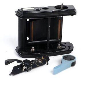 ^ Graflex 120 6x7 Roll Film Back  [FOR PARTS OR REPAIR]