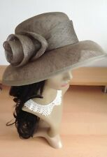 jACQUES VERT GROUP EASTEX Hat Wedding Races Holiday Ivory GREEN Sinamay