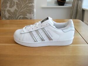 STUNNING ADIDAS SUPERSTAR WHITE LEATHER TRAINERS SIZE 5.5 UK VGC!!