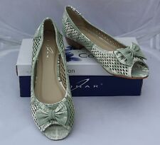 Lunar Dune Greenish Grey Peep Toe Pumps with Bow & Cut Out Pattern Size 6/39