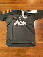 NWT Adidas Manchester United Official TrainIng Jersey FR3655 Men's Size Small