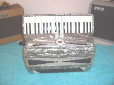 Imperial  Accordion 2 treble reg. Accordian 2/4 reeds in playing cond. Italy