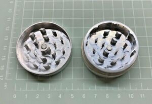 Herb Grinder 50mm (  Aluminium with magnet ) 2 Part