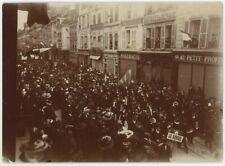 Manifestation socialiste à Troyes (Aube). Socialisme. Tirage citrate circa 1900.