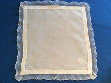 Très joli mouchoir ancien, en fin linon blanc, bordé de tulle, monogramme LB