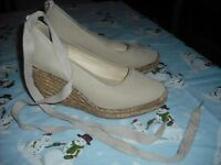aa9df139b8e0 BEIGE WOVEN WEDGES BY CHOCOLAT BLU SZ 6B ANKLE STRAP ACCENT