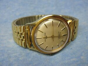 Men's Vintage TIMEX Automatic Water Resistant Mechanical Gold Watch