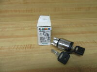 Schneider Telemecanique ZB4BG6 Key Switch