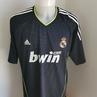 superbe Maillot  Football  real de madrid taille 2xl adidas rétro 2010