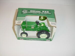 1/16 Oliver 550 Utility Tractor by SpecCast W/Metal Umbrella NIB! Hard To Find!