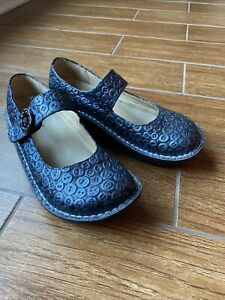 ALEGRIA Paloma Blue Button Mary Janes Size 38 GUC