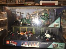 Lego The Lego Movie 70805 & 70808 Light Up Store Display HTF READ