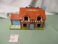 Fisher Price Little People Play Family Tudor House 952 T A31 Imagination Toy