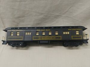 """Roundhouse New York Central and Lake Shore """"The Fast Mail"""" Baggage Car"""