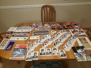 Cleveland Indians 8 autographs, Cards 8x10 Programs Books magazines buttons l👀k