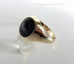 9ct Gold Gents Oval Cabachon Onyx Ring. Size Y. 4.3g. Hallmarked.