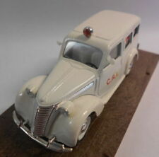 Ambulances miniatures rouge 1:43