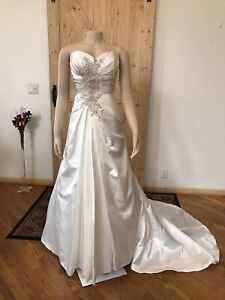Casablanca Wedding Gown Size 14 NWT Ivory/Gold