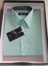 Chemise verte dans son coffret taille 8 ans marque Jean Blue
