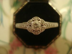 Beautiful,Finely Crafted 9CT Gold: Sparkling Diamonds Set Flower Cluster Ring