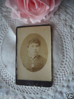 ANTIQUE OLD VINTAGE CDV PHOTO PORTRAIT VICTORIAN LADY with BOOK CHAIN NECKLACE