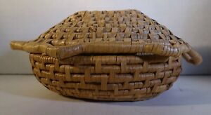 xbb306 HANDMADE COIL COVERED ETHNOGRAPHIC BASKET WITH LID